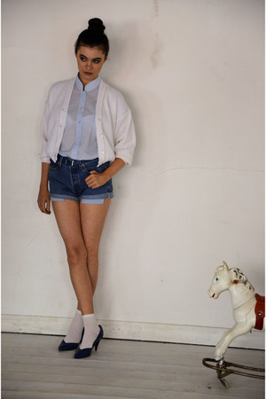 blue denim cut-offs Levis shorts - white cotton ankle Topshop socks