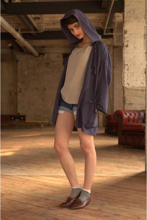 beige silk DollsMaison vest - blue silk oversize MaxMara jacket