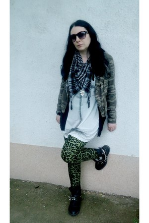 olive green military jacket fishbone jacket - black faux leather Kitten boots