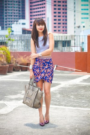 heather gray Celine bag - maroon Zara skirt