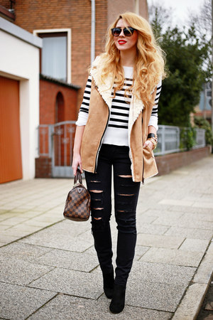 brown shearling Sheinside vest - black Zara shoes