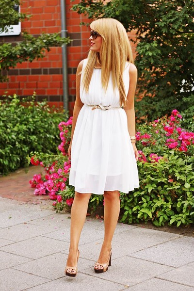 white retro persun dress - black retro Juicy Couture sunglasses