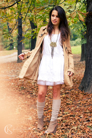 camel trench coat H&amp;M coat - white French Connection dress - camel Bebe wedges