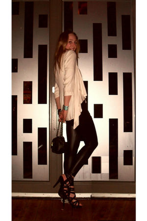beige blazer - black leggings - black shoes - accessories
