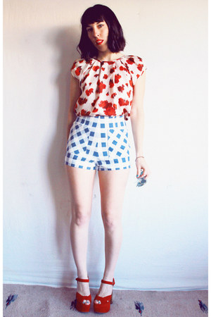 red floral Derek Lam blouse - light blue gingham Nasty Gal shorts
