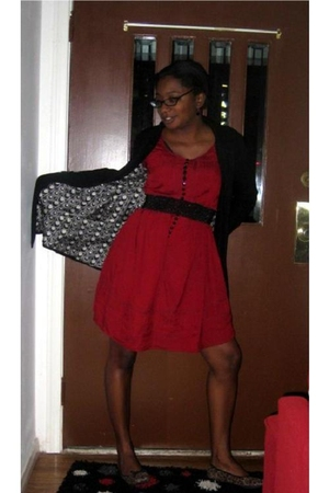 red H&M dress - black Mimi & Red belt - black Tulle vis Nordstrom coat - payless
