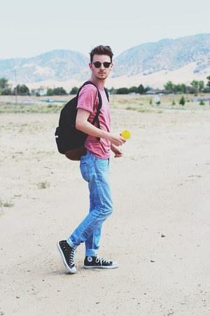 Forever 21 shirt - Levis jeans - Herschels bag - Converse sneakers