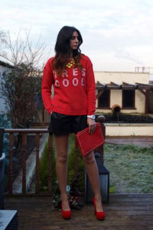 red asos sweater - red Ebay bag - black Zara shorts - red Chockers heels