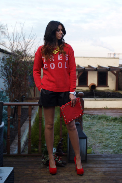 red asos sweater - red Ebay bag - black Zara shorts - red Chockers heels