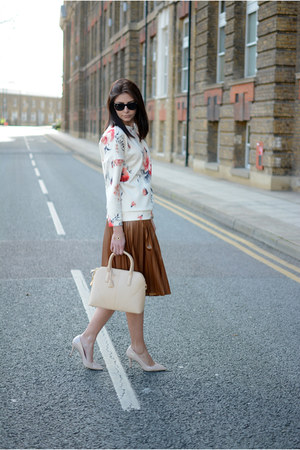 beige Zara bag - black Ray Ban sunglasses - neutral new look heels