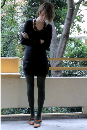 sessun dress - H&M tights - La Pucci shoes
