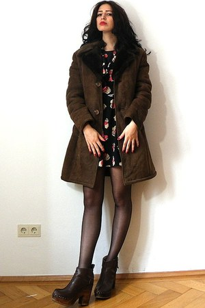 brown vintage coat - black Anna Sui dress - dark brown Kurt Geiger clogs