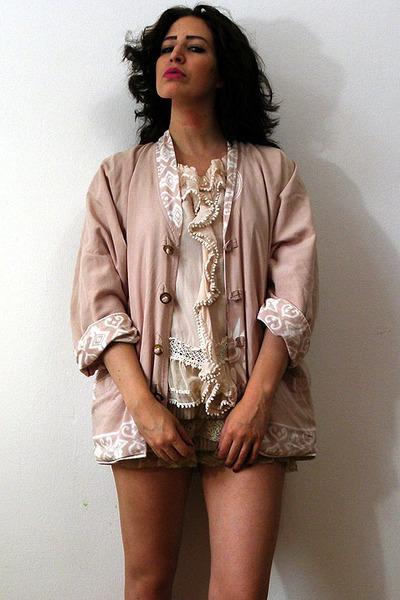 light pink ethnic aztec vintage jacket - camel lace cascade vintage shorts