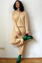 olive green vintage boots - eggshell silk jersey 70s vintage shirt