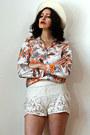 Off-white-felt-feather-vintage-hat-cream-lace-crocheted-vintage-shorts