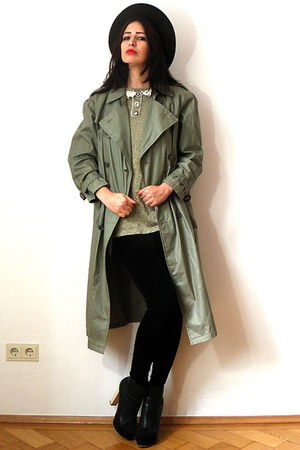 army green vintage coat - cream Nelly boots - forest green felt vintage hat