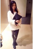 white sweater - black Din Sko boots - black Bershka leggings - black bag