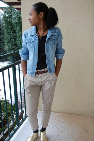 gold Urban Outfitters boots - light blue denim jacket thrifted vintage jacket -