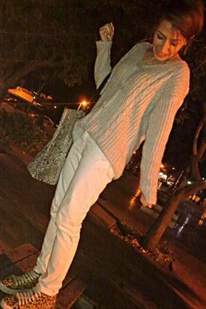 white Zara jeans - periwinkle Nasty Gal sweater - dark khaki Zara bag