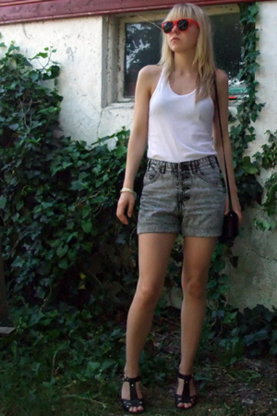 Bershka sunglasses - AA top - Secondhand shorts - Bianco shoes