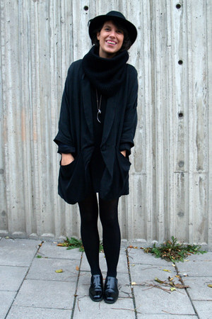black Boutique in LA dress - black vintage hat - black H&amp;M jacket
