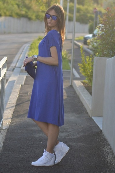 blue Cashmere Lounge dress - black Oakley sunglasses - white nike sneakers