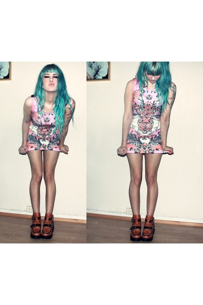 vintage dress - coltrane Jeffrey Campbell sandals