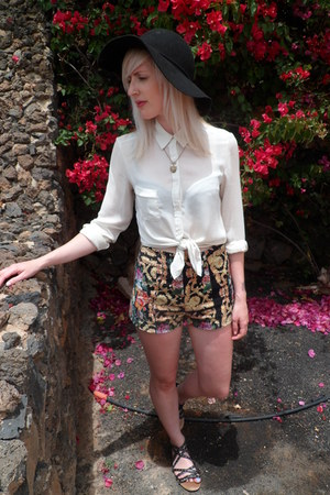 black H&M hat - white H&M shirt - gold Primark shorts - black vintage sandals