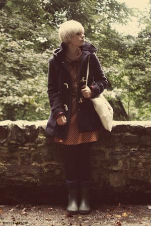 navy duffle Topshop coat - olive green wellingtons Garden centre boots