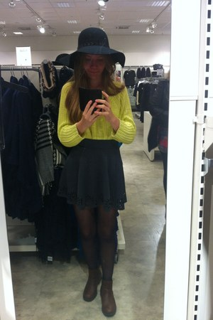 yellow Monki sweater - brown Skopunkten shoes - black Ahlens hat