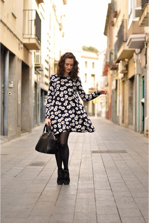 black daisies ark dress - black Mango bag