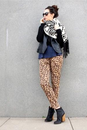 black ankle wood heel NYLA boots - black leather Forever 21 jacket