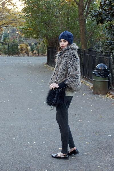 gray faux fur vintage jacket - black kensie jacket