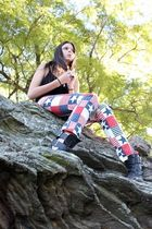 red Self Designed jeans - black top - gray boots