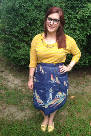 navy Warby Parker glasses - navy vintage skirt - mustard madewell blouse