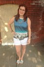 Light-brown-coach-bag-white-old-navy-shorts-sky-blue-madewell-top
