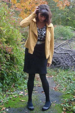 black Target top - black Esprit skirt - yellow Urban Outfitters sweater - white