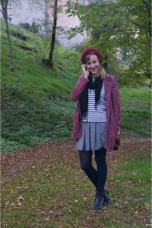 brick red vintage hat - black Dorothy Perkins boots - white Petit Bateau sweater