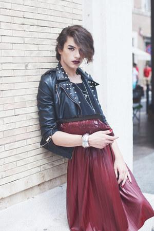 black shoes - black studded leather Lolive verte jacket - crimson vintage bag