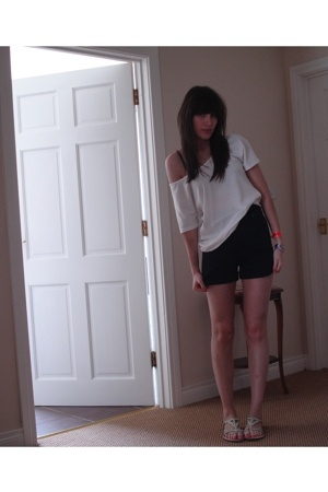 Primark top - Primark shorts - River Island shoes