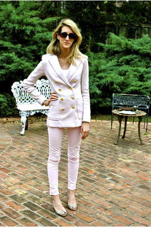 light pink H&M blazer - dark brown tortoise Ray Ban sunglasses