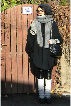 H&M pants - boots - Bershka scarf - bag - H&M gloves - handmade by myself cape