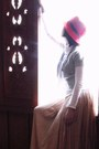 Peach-maxi-skirt-skirt-ruby-red-hat-white-banana-republic-shirt