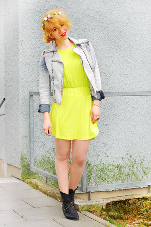 lime green neon H&amp;M dress - light blue denim H&amp;M jacket