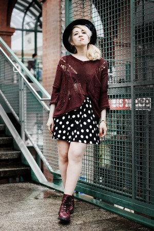crimson distressed allainnbella sweater - crimson H&M boots