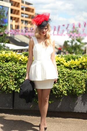 Jane Bond hat - Christian Louboutin shoes - Aqua dress