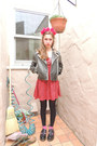 Black-doc-marten-shoes-red-edge-dress-red-diy-hat-black-vintage-jacket