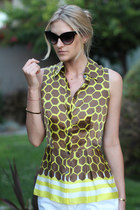 mustard SILK NY top - black cat eye Express sunglasses
