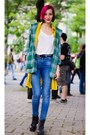 High-waisted-asos-jeans-mustard-second-hand-vest-plaid-second-hand-hoodie