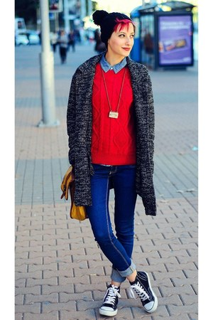 oversize pull&amp;bear coat - black ovs hat - red Mango sweater
